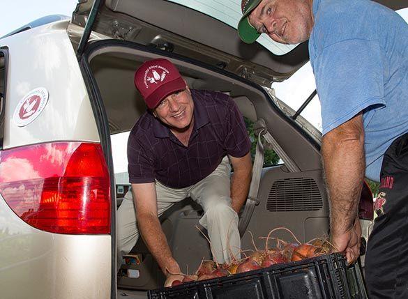 deliver- 9-thank you-men loading car